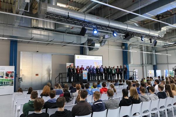 "Regionalfinale ""Jugend forscht"" findet bei va-Q-tec statt"